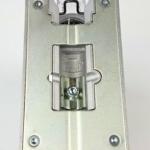 Die Grundplatte der Bosch GST 150 CE Stichsäge von unten gesehen