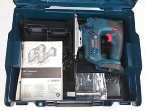 Foto vom Lieferumfang der Bosch GST 18 V-LI B Akku Stichsäge
