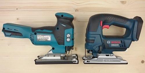 Foto von den Akku Stichsägen Makita DJV181Z mit Stabform und der Bosch GST 18 V-LI B mit Bügelform