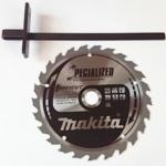 Foto vom Sägeblatt und dem Parallelanschlag der Makita DHS660Z Akku Handkreissäge